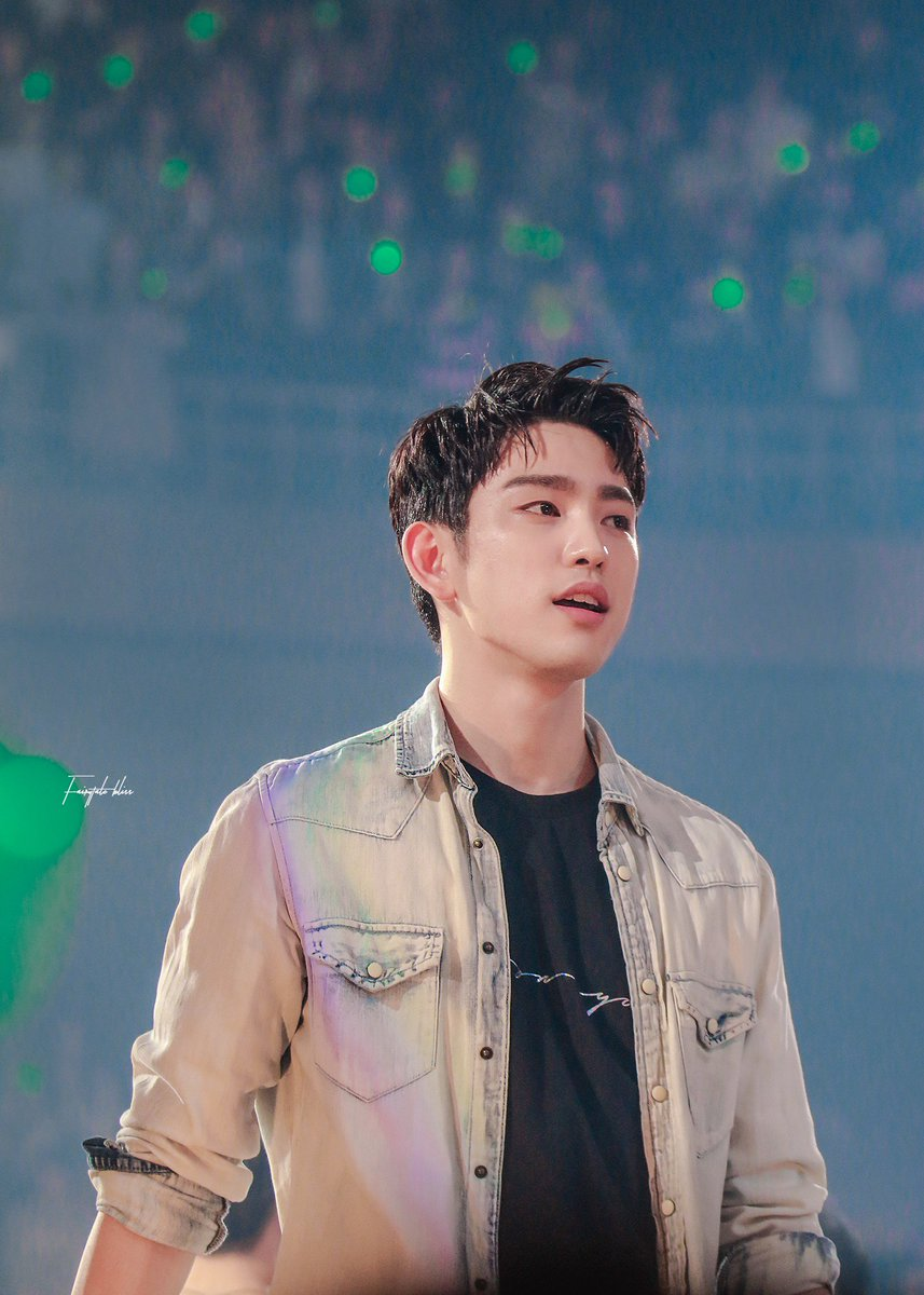 180505 in Seoul  You're my downfall, you're my muse My worst distraction, my rhythm and blues   #Jinyoung #GOT7   #진영 #갓세븐  #GOT7WORLDTOUR <br>http://pic.twitter.com/4INWS8Cfil