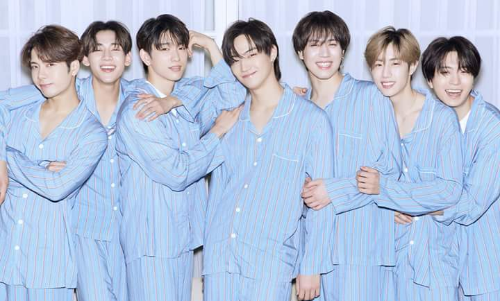 Look at their smile.. How can I&#39;m not falling in love with them?  @GOT7Official  #GOT7   #갓세븐   #GOT7WORLDTOUR   #EyesOnYou <br>http://pic.twitter.com/YIFp80r6dH