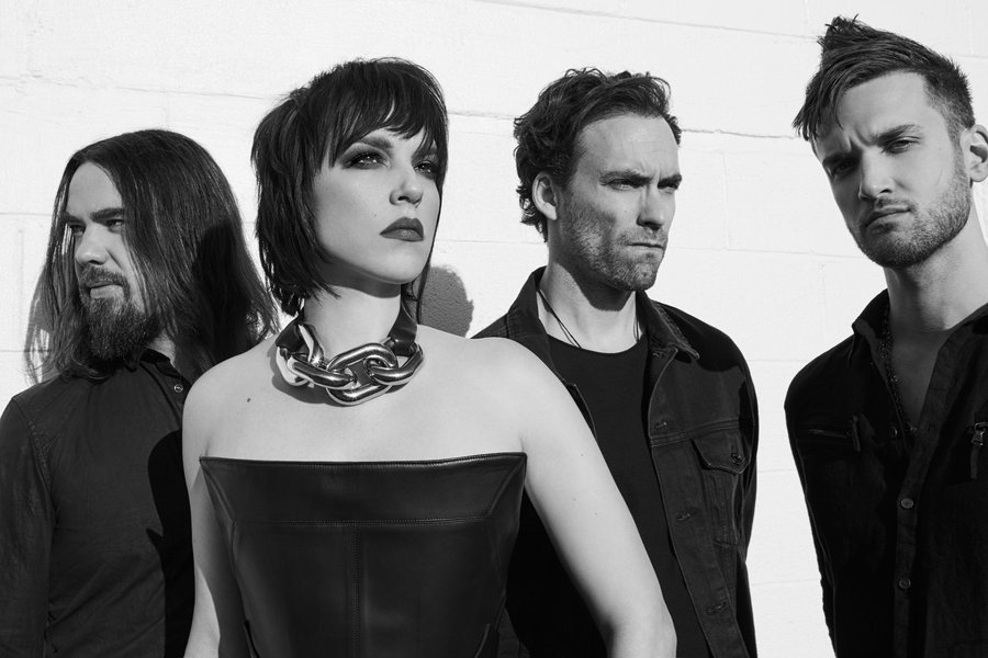 Halestorm on twitter europe a vip upgrade is on sale now for our meet greet early venue entry crowd free merch shopping and more grab em before theyre sold out httpshalestormeticketstour halestorm m4hsunfo
