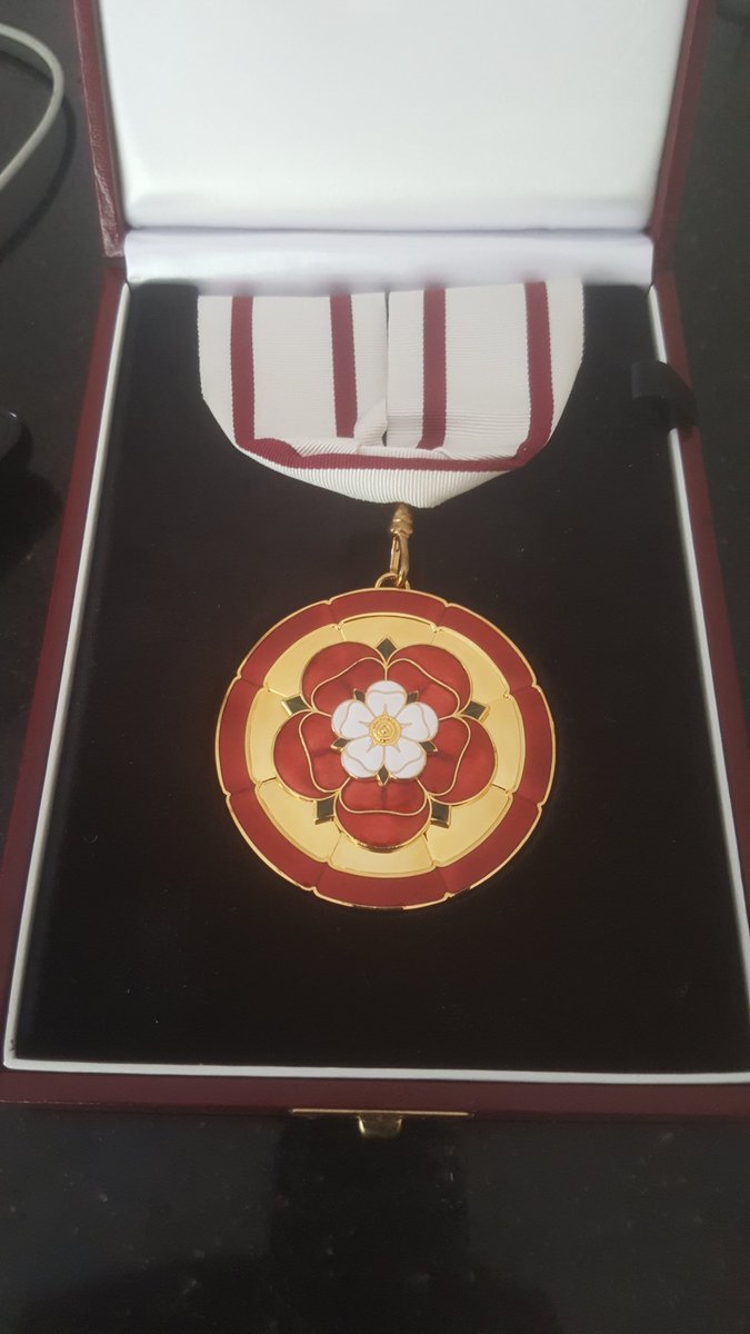 It&#39;s always a pleasure to wear the Deputy Lieutenant&#39;s medal. Today in particular it&#39;s a real honour to represent both the Lord Lieutenant and Her Majesty the Queen #Nottinghamshire #Nottingham<br>http://pic.twitter.com/k2MAwrv1Ck