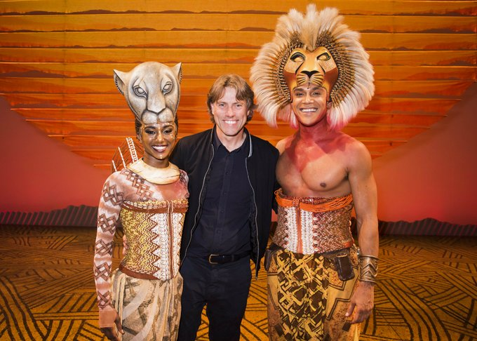 The London cast was thrilled to welcome comedian and presenter @JohnBishop100 backstage at the Lyceum Theatre for a glimpse behind-the-scenes after he watched the show last night! Photo