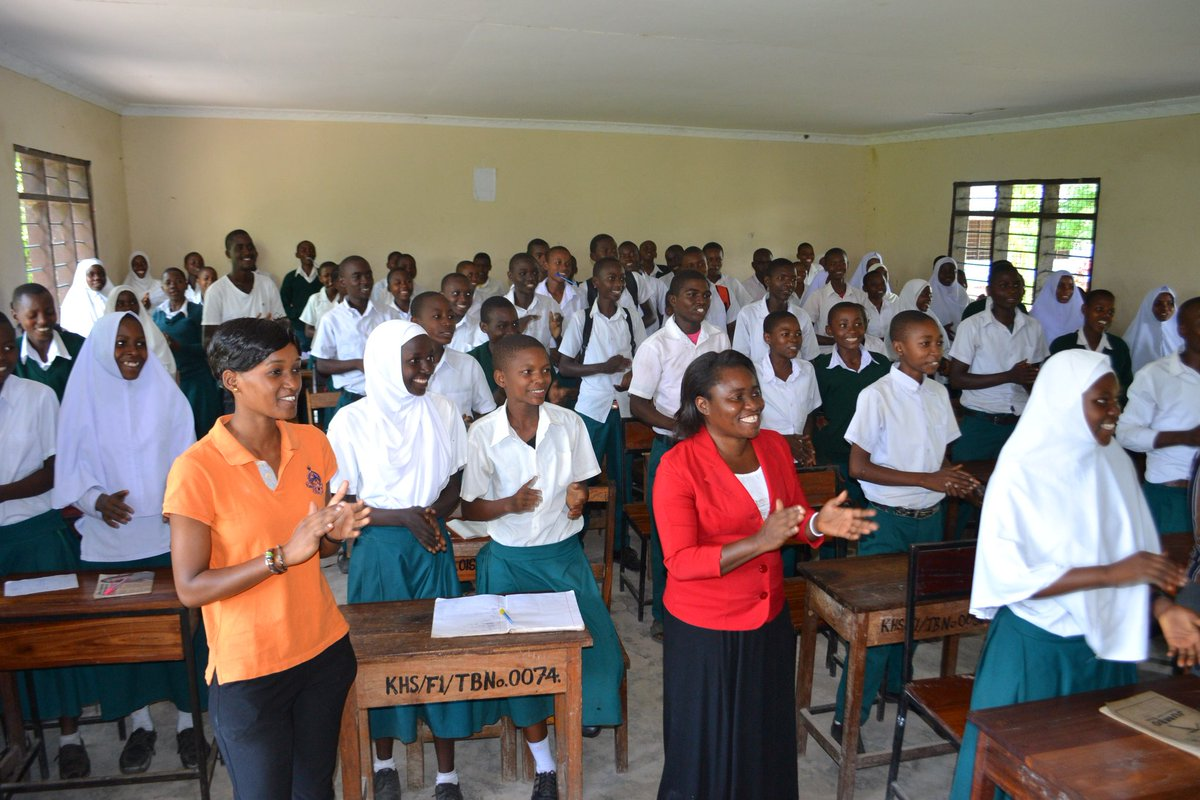 #DoYouKnow almost 82% of adolescent girls in #Tanzania they dont know how to cope up with their body changes they are going through including hygiene during menstruation?..We are proud to be part of changemakers . . @ALVARO_UNTZ @TeachSDGs @AmEmbTZ @ICS_UK  Mema Tanzania<br>http://pic.twitter.com/yKBuwLd9gX