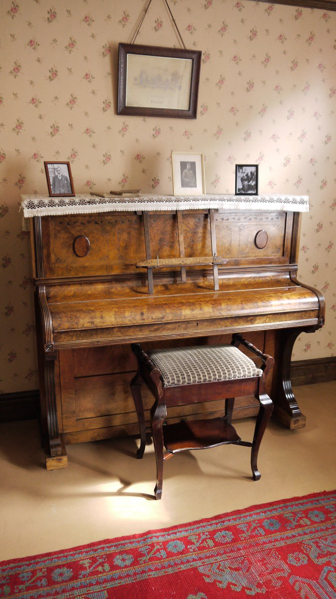 piano dh lawrence