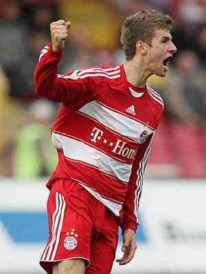 10 years ago today, Thomas made a Bundesliga debut with @FCBayernEN against @HSV. Time flies.<br>http://pic.twitter.com/1sjuTlOkcE