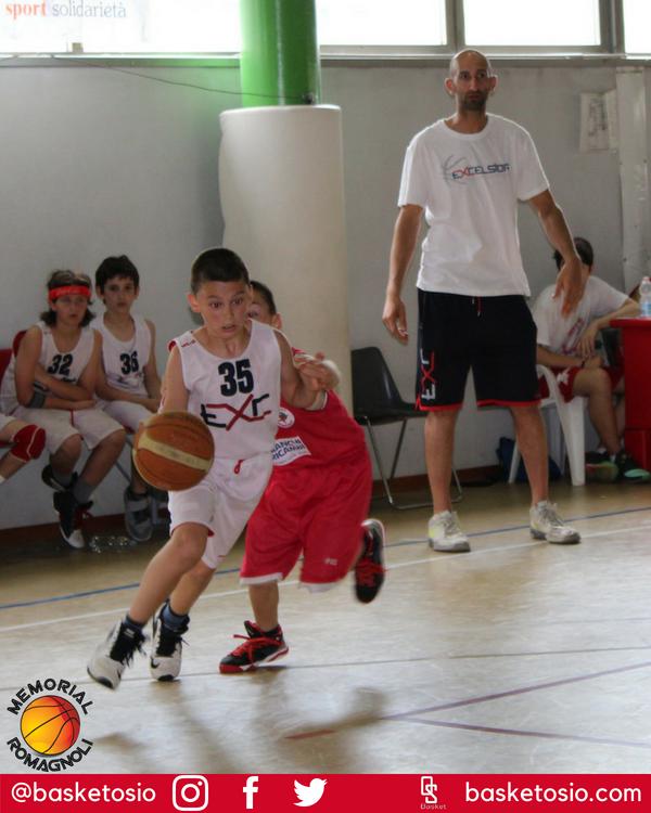 UNA FOTO AL GIORNO #basketosio #forzaosio #memorialromagnoli #minibasket #basket #basketball #pallacanestro #osio #boltiere #excelsior#unafotoalgiorno #onepicaday http://basketosio.com  - Ukustom