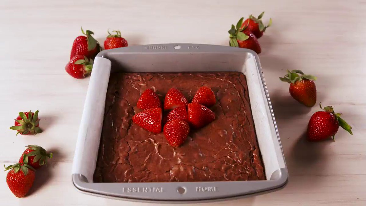 Chocolate-covered strawberry brownies are so hot right now. Full recipe via @DelishDotCom: hsbu.us/DN5sbVh