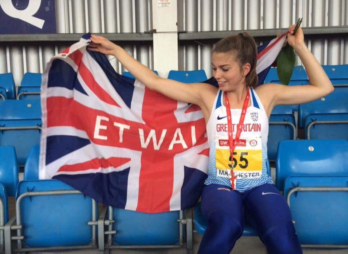 What a GB debut from @bekah_walton at the Manchester International - a PB of 49.23 and a   Fantastic  #bornforsport  MAKING DERBYSHIRE PROUD <br>http://pic.twitter.com/3qcSozYVv2