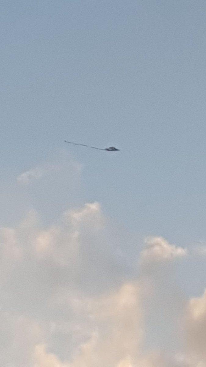 #Israele #Gaza Altro aquilone-molotov individuato su Israele.  Forze di polizia controllano atterraggio. La tregua di #Hamas.  - Ukustom