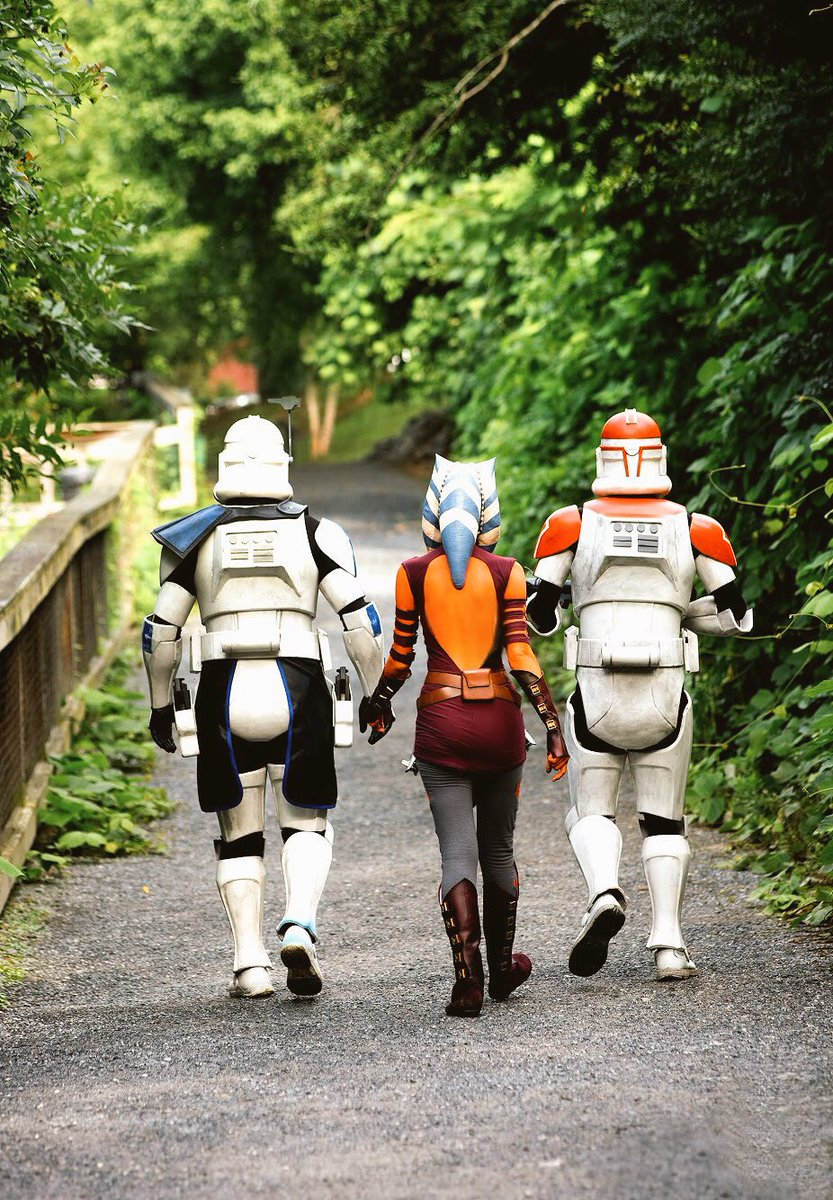 10 years in the finest of a galaxy far, far, away. Thank you, @dave_filoni @GeorgeLucasILM  #clonewars (photo by Moreland Photography) <br>http://pic.twitter.com/7nlf4Dzobj