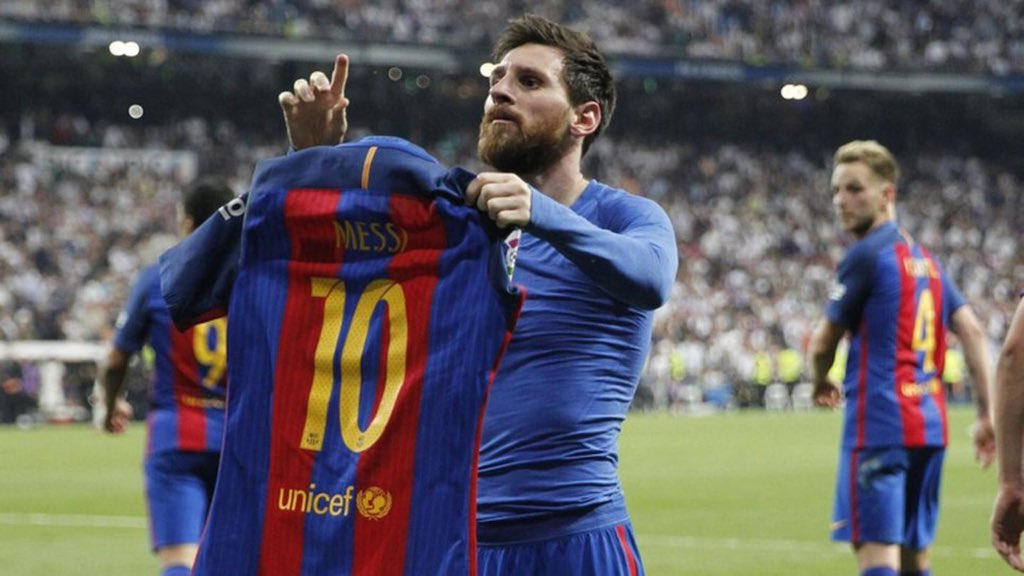 Who's your GOAT? RT for Messi, Like for Ronaldo <br>http://pic.twitter.com/ykZfIbUG5j