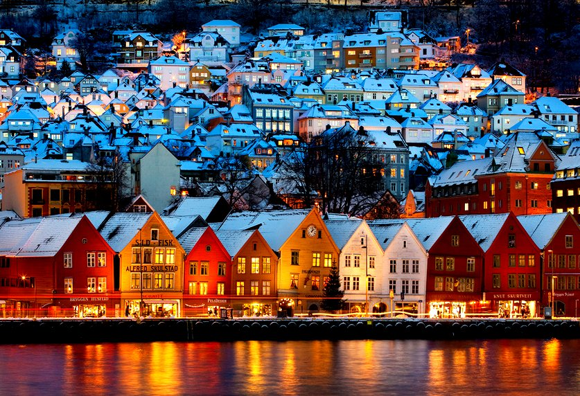 #Travel A great night partying in Bergen, Norway offers great nightlife and entertainment in all types of clubs, bars, and other off the grid places to go clubbing, pub crawling and partying. At the end of the night, the idyllic image of Bergen looks more like this. Trippy. <br>http://pic.twitter.com/BmK2WoCtnK