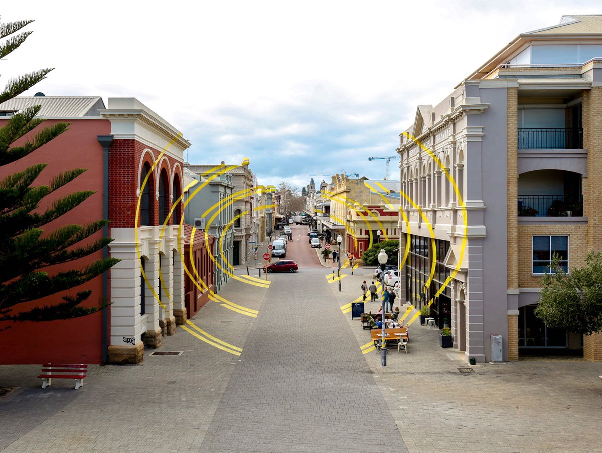 Optical illusion artwork in Fremantle, Western Australia. <br>http://pic.twitter.com/2lcxgM5lP8