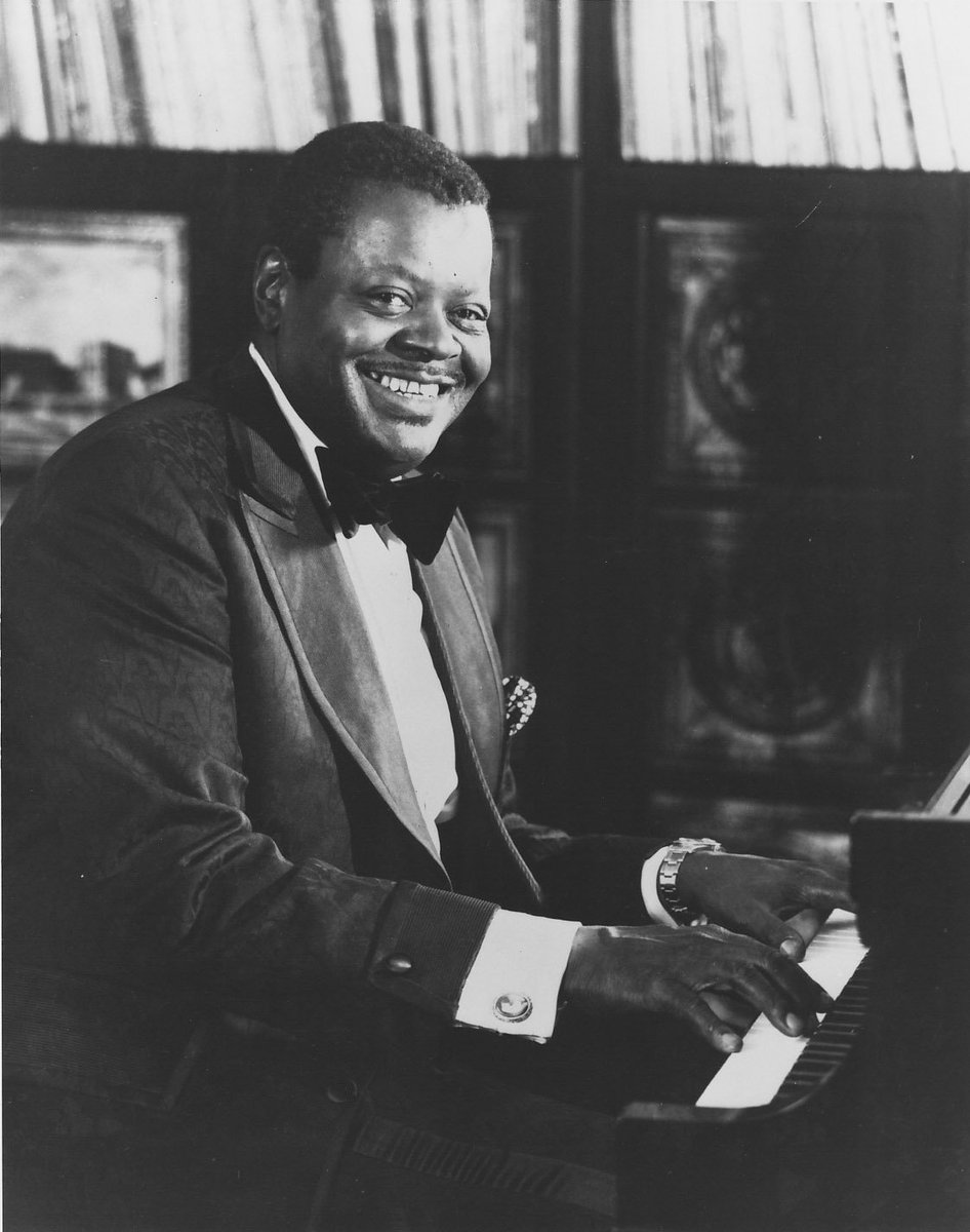 #OTD in 1925 Oscar Peterson, the famous jazz pianist, was born in Montreal, Quebec. #DYK before Oscar became a jazz pianist, he loved to play the trumpet, but after a year-long battle with tuberculosis focused solely on the piano?   Click here to listen  http:// ow.ly/GQMr30lpMRZ  &nbsp;  <br>http://pic.twitter.com/wUZkajTeeH