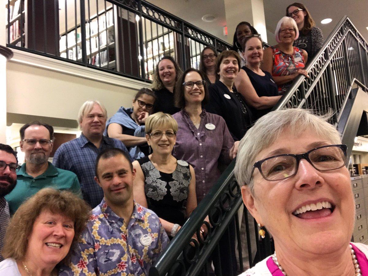 It&#39;s Selfie Day at the Noah Webster Library! #CityHallSelfieDay<br>http://pic.twitter.com/kBepP2T2dA