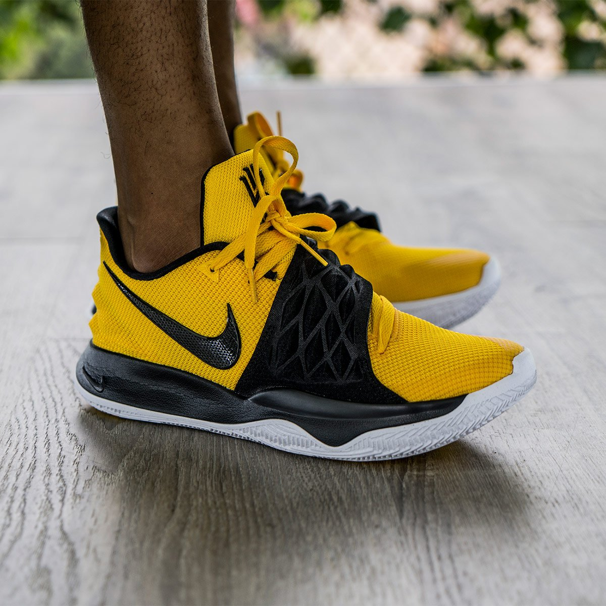 kyrie low bruce lee Shop Clothing