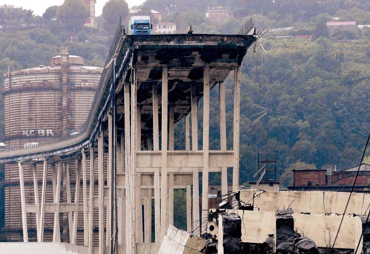 """#GenovaPonte:#DiMaio accusa Autostrade: """"Non hanno fatto manutensione""""#Autostrade replica: """"Investito 1 miliardo in 5 anni""""#Toninelli: """"Valuto passaggio gestione A10 all\"""