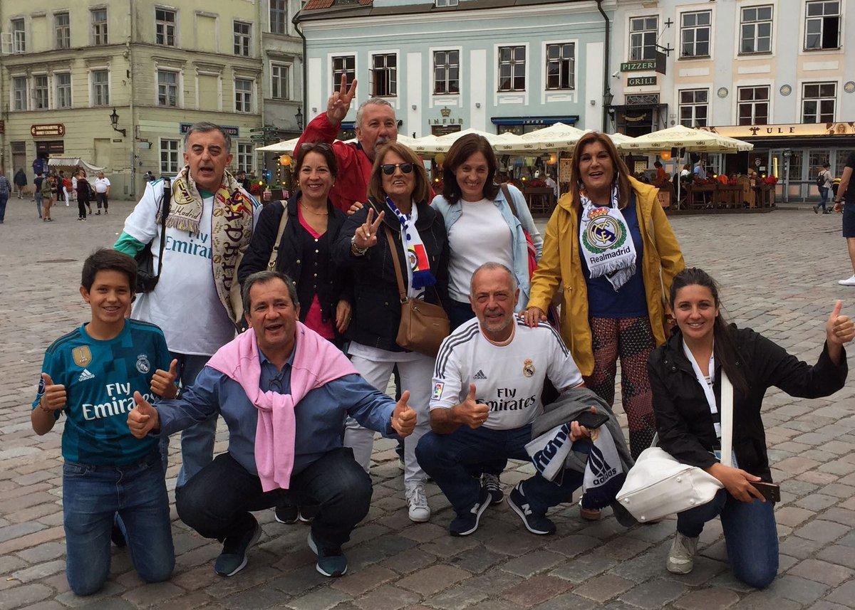 """""""@realmadriden: 🙌💜🇪🇪 #RMFans in Tallinn! #RMSuperCup """""""