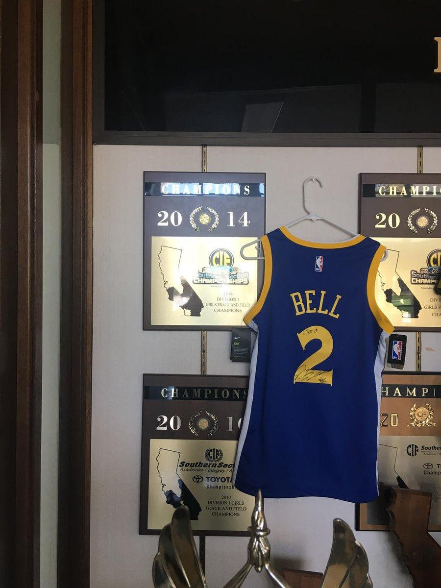Now that&#39;s better #FunkHouse Long Beach Poly trophy case balanced with some @1jordanbell @NBA representation. <br>http://pic.twitter.com/l1Fb5biMen