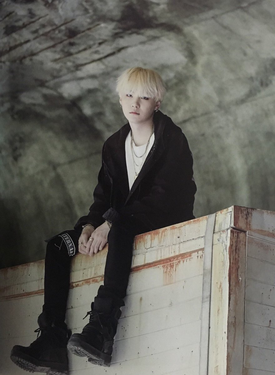 Agust D was the 1st mixtape by a @BTS_twt member I ever listened to. That experience made me realise that one of Yoongi&#39;s many gifts is his ability to inject so much raw emotion into his rap that it&#39;s impossible not to *feel* what he&#39;s feeling.  A masterpiece. #2YearsWithAgustD<br>http://pic.twitter.com/3Xf9kzvhM7