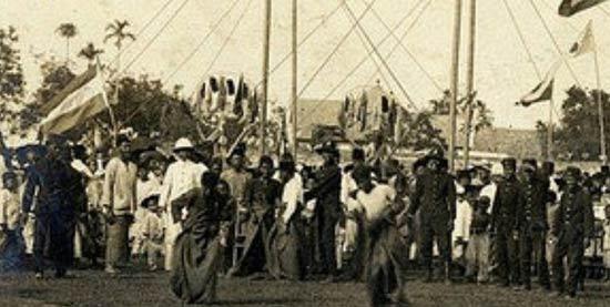 Lomba balap karung zaman penjajahan Belanda