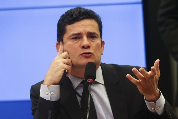 Moro adia interrogatório de Lula para depois das eleições https://t.co/M6WeecfR4k 📷José Cruz/Agência Brasil