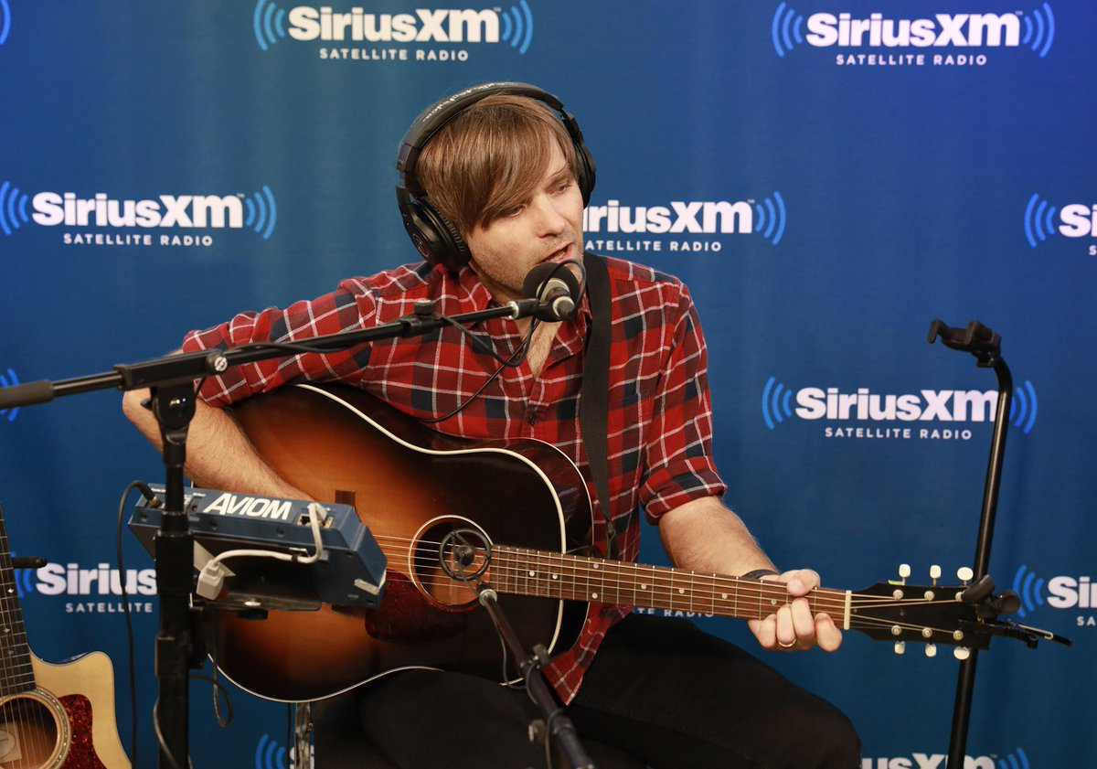 @dcfc ninth album 'Thank You For Today' comes out Friday 🎶 Get a LIVE early taste of the record plus an emotional cover song. #DeathCabForCutie  Click here to start streaming @siriusxmu & catch the session premiere at 9pm ET: https://t.co/tZizkQo85N