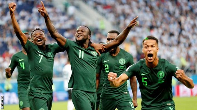 Nigeria's Victor Moses retires from national team Foto