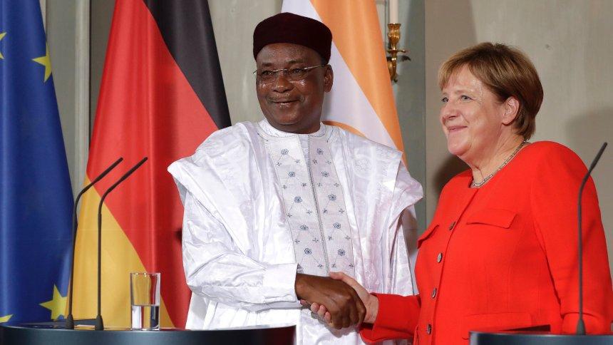 Kampf gegen illegale Migration: Merkel sagt Niger Hilfe zu https://t.co/6pv1fZC1th
