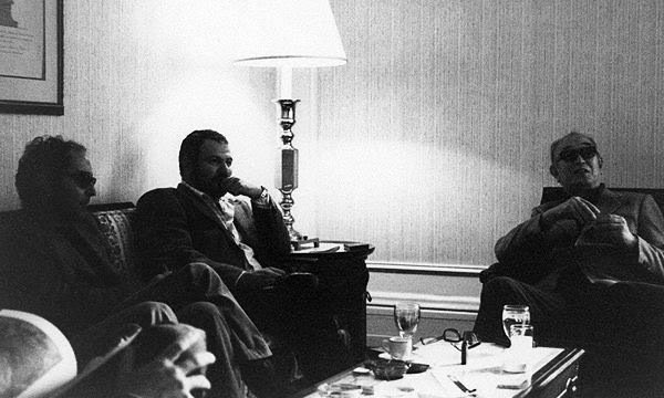 Werner Herzog, Jean-Luc Godard and John Milius visiting Akira Kurosawa (early '80s) at the New York Plaza Hotel during his two year travelling period after just having won the Palme d&#39;Or for 'Kagemusha.' <br>http://pic.twitter.com/0BQTMJ54X3