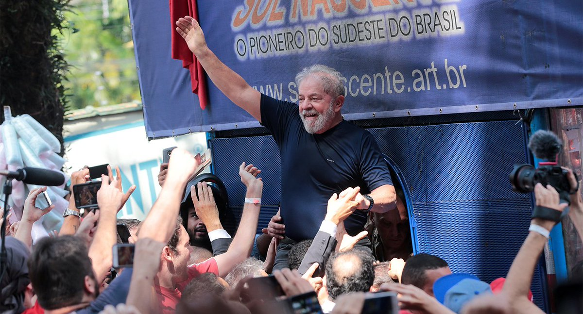 Brésil 🇧🇷 : Lula est officiellement candidat à l'élection présidentielle alors qu'il est en prison  ➡️ https://t.co/Ebak1ncgab