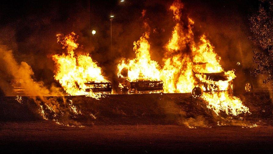 «Вы что творите?»: в Швеции нашли поджигателей машин https://t.co/6X3HeHf8DQ