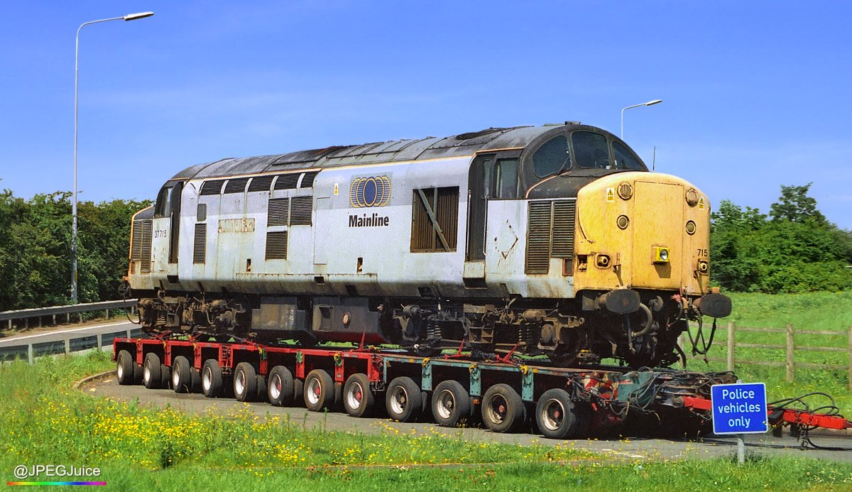 One does not simply &quot;lose a 37&quot;... One might, however, abandon a 37 in a layby next to Junction 5 of the M5, whilst one dines heartily at the Little Chef just down the road. 37715 was en route from Cardiff Canton to Wigan CRDC to await its fate, on 31st May 2000. #Trainspotting<br>http://pic.twitter.com/ES6PRxB1Nj