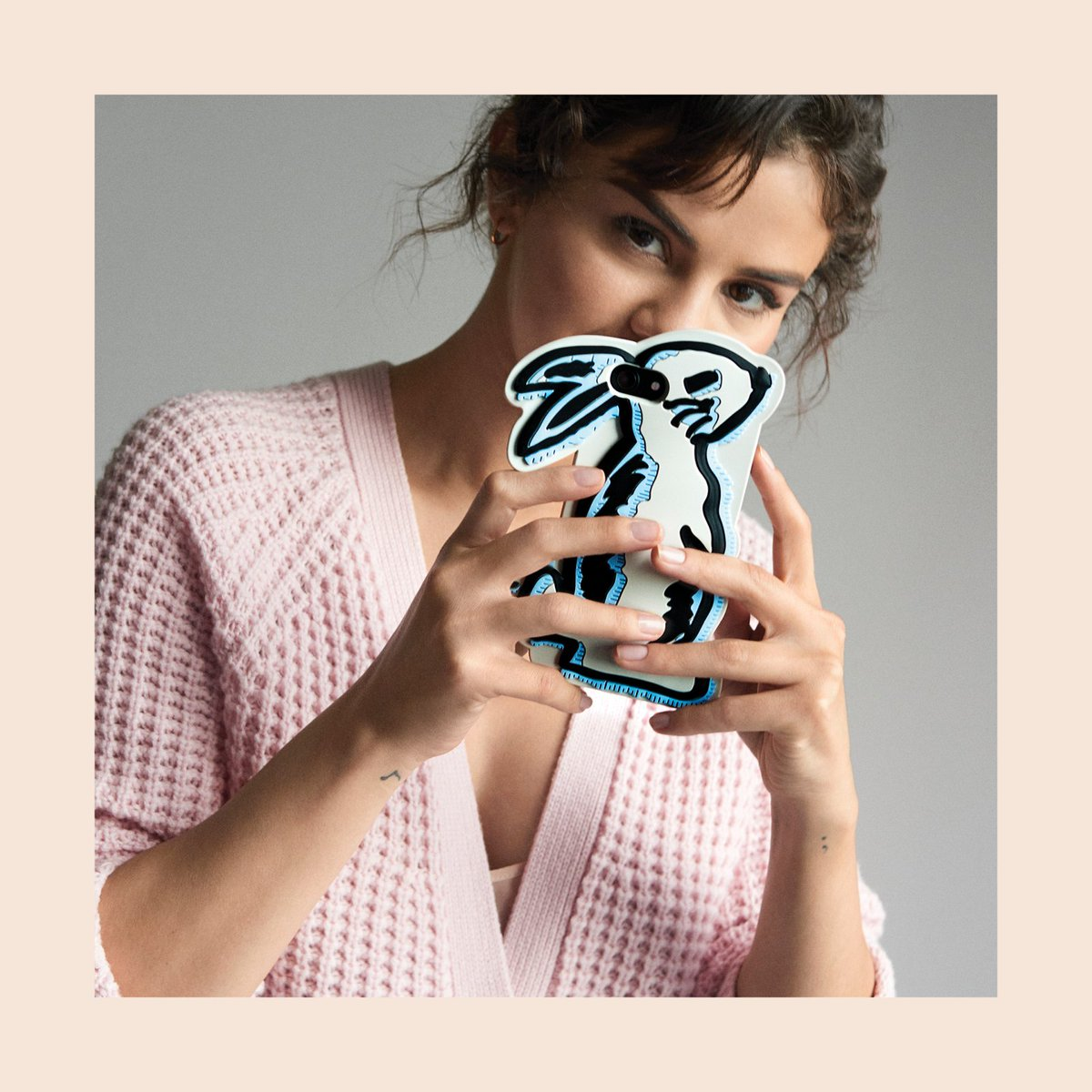 A little selfie action never hurt no bunny. 🐰 Pre-order the new #CoachxSelena now https://t.co/77FgCFMPdE. #CoachNY