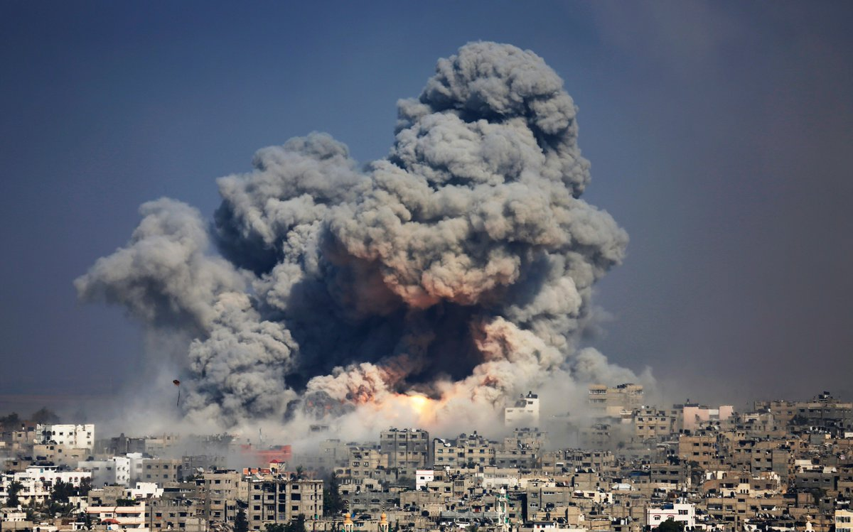 Israel won't conduct a criminal probe over a 2014 air raid that killed 150 Palestinians in Gaza. It was the deadliest day of a 7-week conflict that killed 2,100 Palestinians.  @amnesty says there is &quot;overwhelming evidence&quot; Israel&#39;s actions violated international humanitarian law. <br>http://pic.twitter.com/YcNTl7yqaS