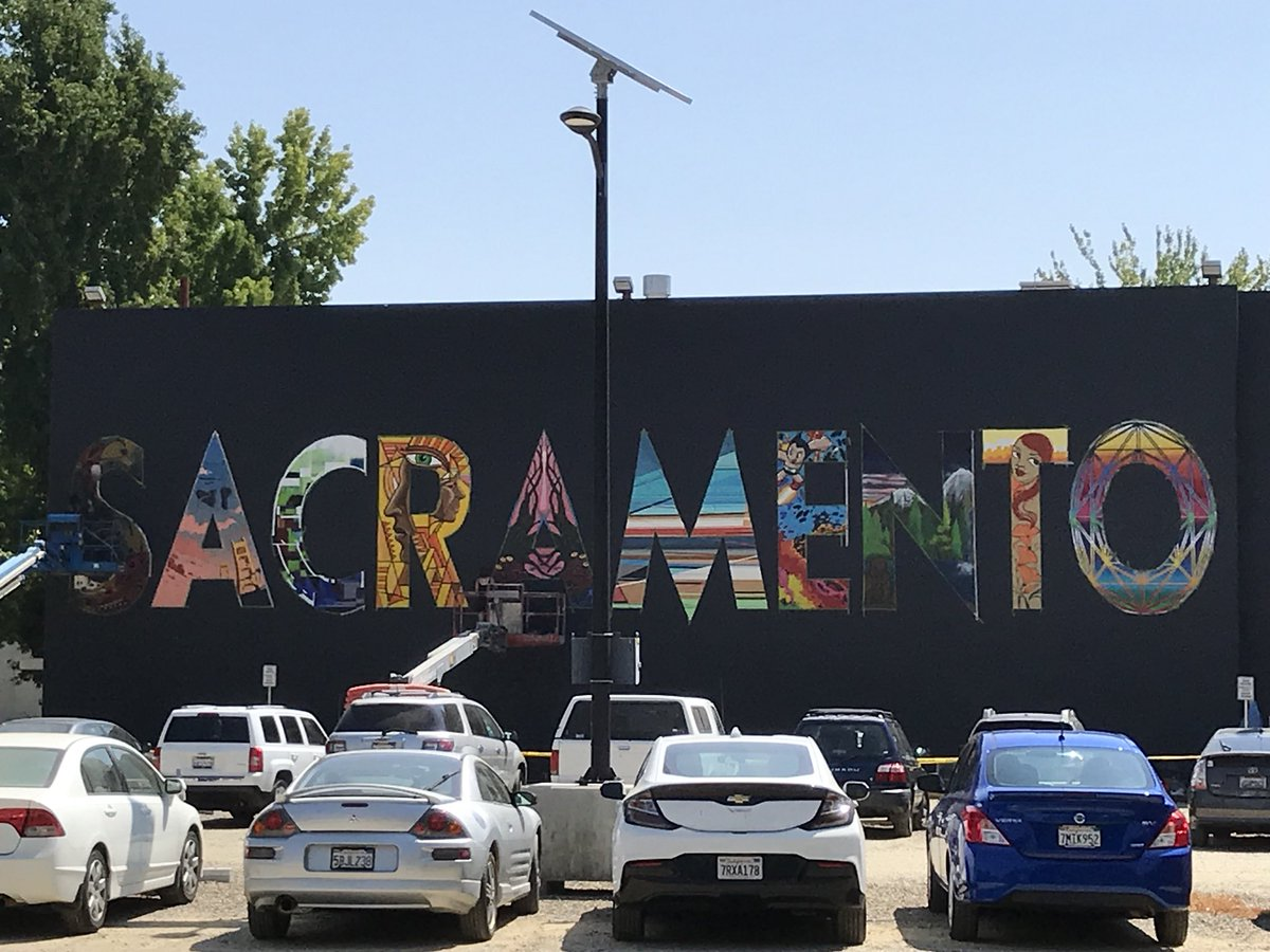Loving how the @sacstate #Sacramento mural is coming along. #MadeAtSacState #StingersUp<br>http://pic.twitter.com/sL7PEkLaRF