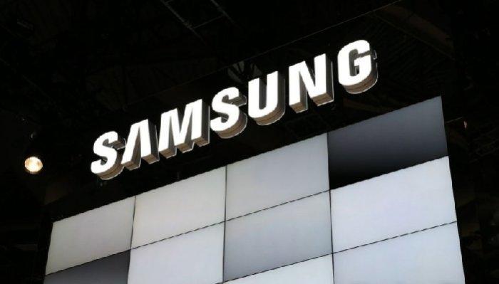 https://is.gd/zbma47 - #GalaxyX #Samsung sta brevettando una scocca anti-ditate e autoriparante per #Smartphone  - Ukustom