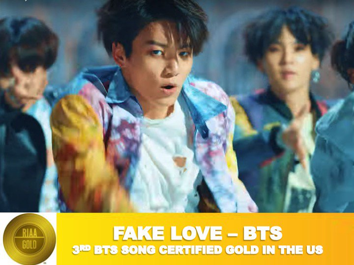 #BTS score a 3rd gold RIAA certification in the US with #FakeLove surpassing sales of half a Million units!👏🏆🇺🇸🎵🕺🕺🕺🕺🕺🕺🕺👑 https://t.co/gmN7S79ymh