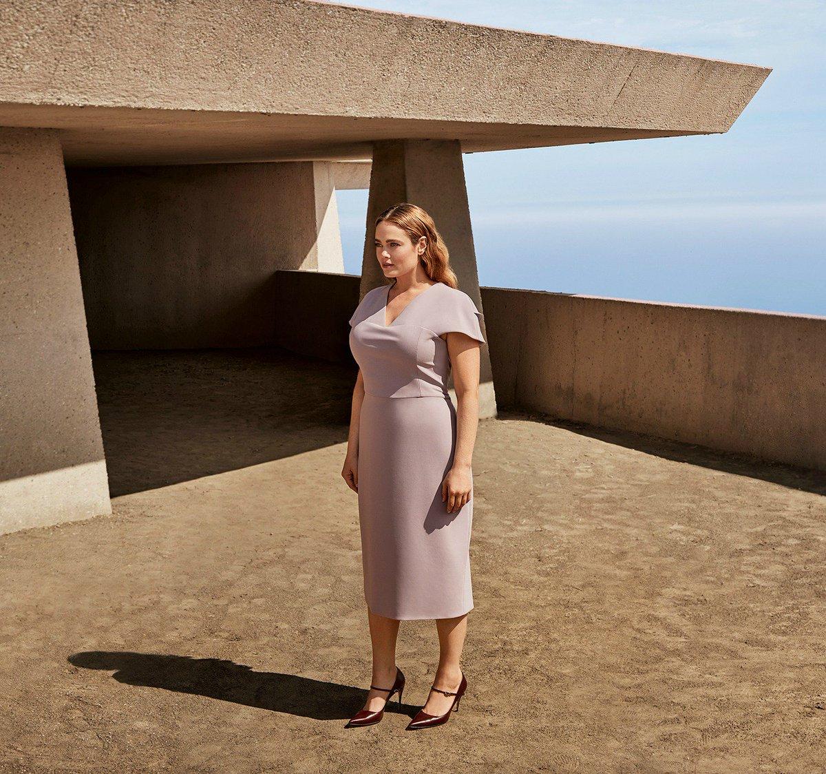 Redefining elegance in @CSiriano bit.ly/2yRiQUR #11honore #luxurywithoutlimits #fashion #plussizefashion