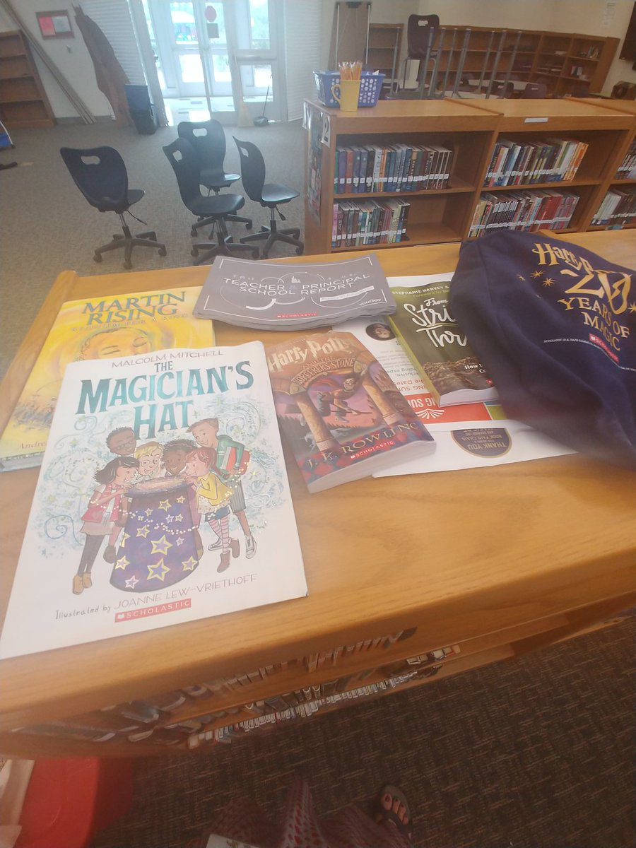 My @Scholastic #readingsummit books were damaged when my library flooded. Never mind the furniture that was damaged. I&#39;m mourning my Harry Potter book and bag lol <br>http://pic.twitter.com/6fpfFgAHlb