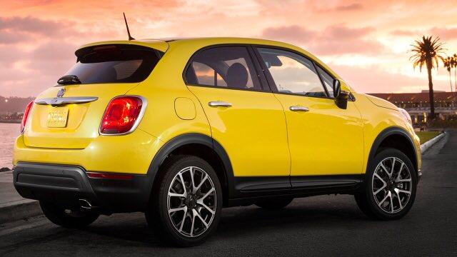 Found! The Kitson-Redmond family car! #CarShare #KayleighsFavouriteColour #RoomForAllJohnsBabies<br>http://pic.twitter.com/yot7z0KI66