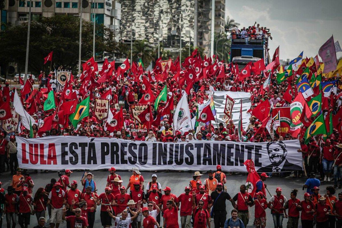 Tá lindo. O povo quer #LulaÉCandidato                                      Foto Leonardo Milano / Mídia Ninja