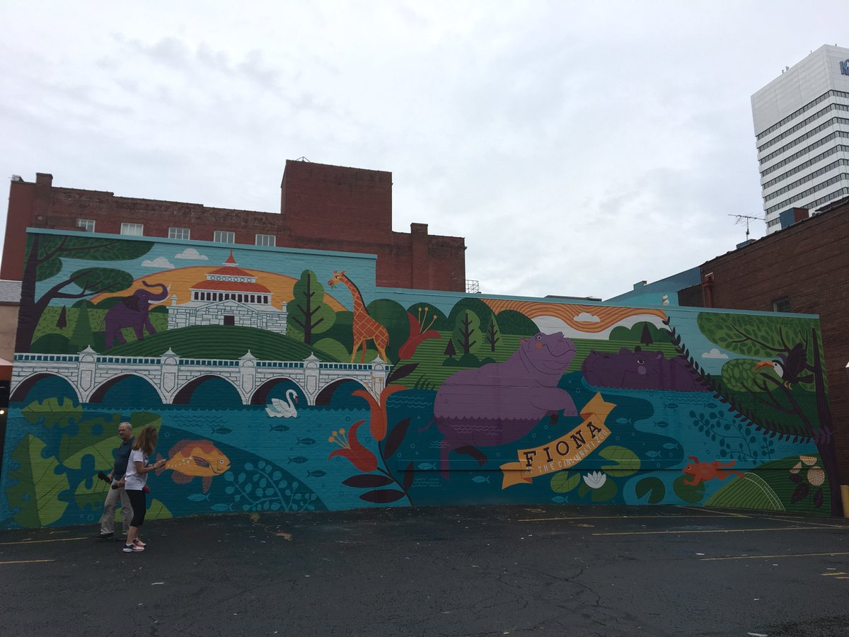 Fiona has taken up her throne on Race Street! New mural dedicated today with @ArtWorksCincy @CincinnatiZoo<br>http://pic.twitter.com/hHSEKyGgh7