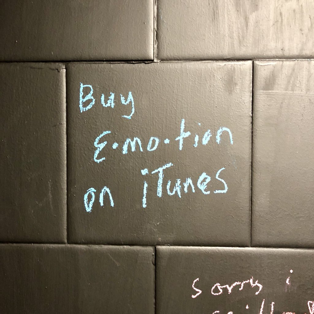 this pub has chalk in the bathrooms and tiles to write on <br>http://pic.twitter.com/1qxRvayeIf