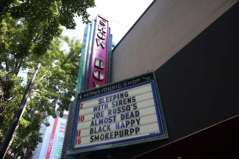 UPDATE: Seattle city council votes to save the Showbox https://t.co/TIx2hXGZ5D https://t.co/aUNxhfkMfU