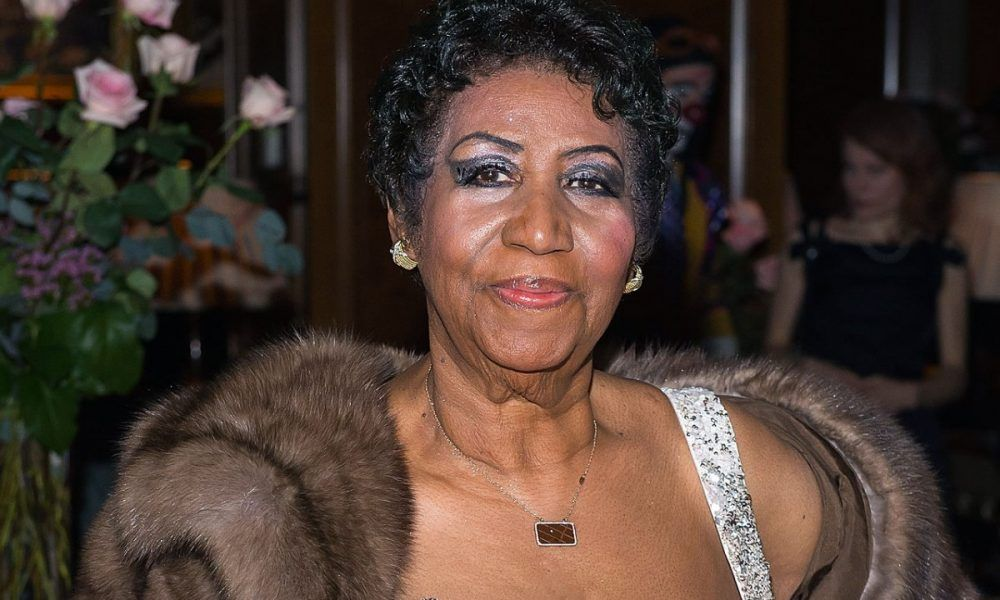 Aretha Franklin is Reportedly Alert and Talking as Family Remains Hopeful She&#39;ll Pull Through  https:// buff.ly/2MkeCes  &nbsp;  <br>http://pic.twitter.com/7YPg2MUVo7