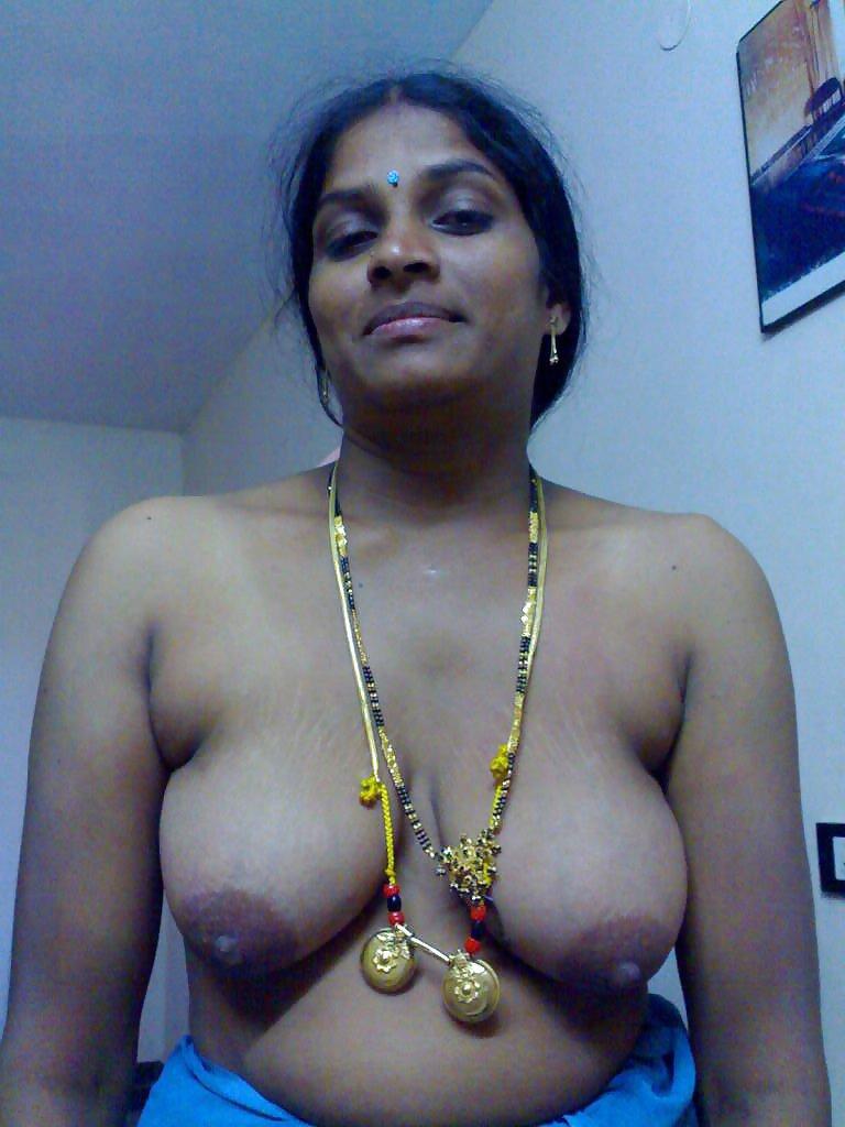 Индианка трясет грудью