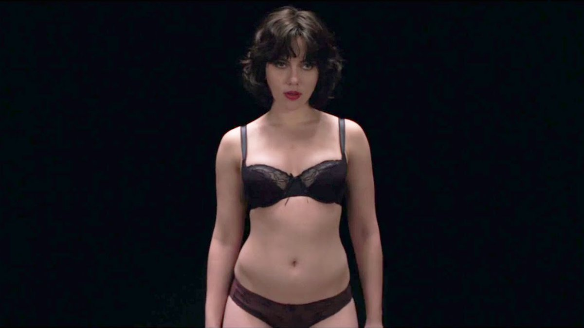 an analysis of the movie under the skin Under the skin is a 2013 science fiction film directed and co-written by jonathan glazer, loosely based on the 2000 novel by michel faber.