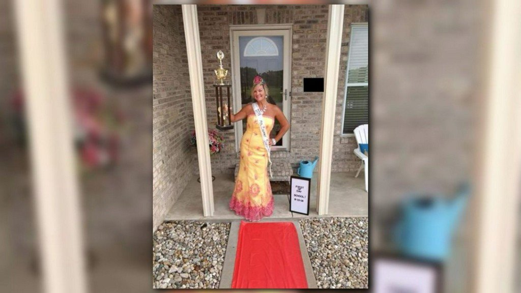 Ill. mom wins back-to-school day with crown, trophy and red carpet https://t.co/F3bjLMOH7b