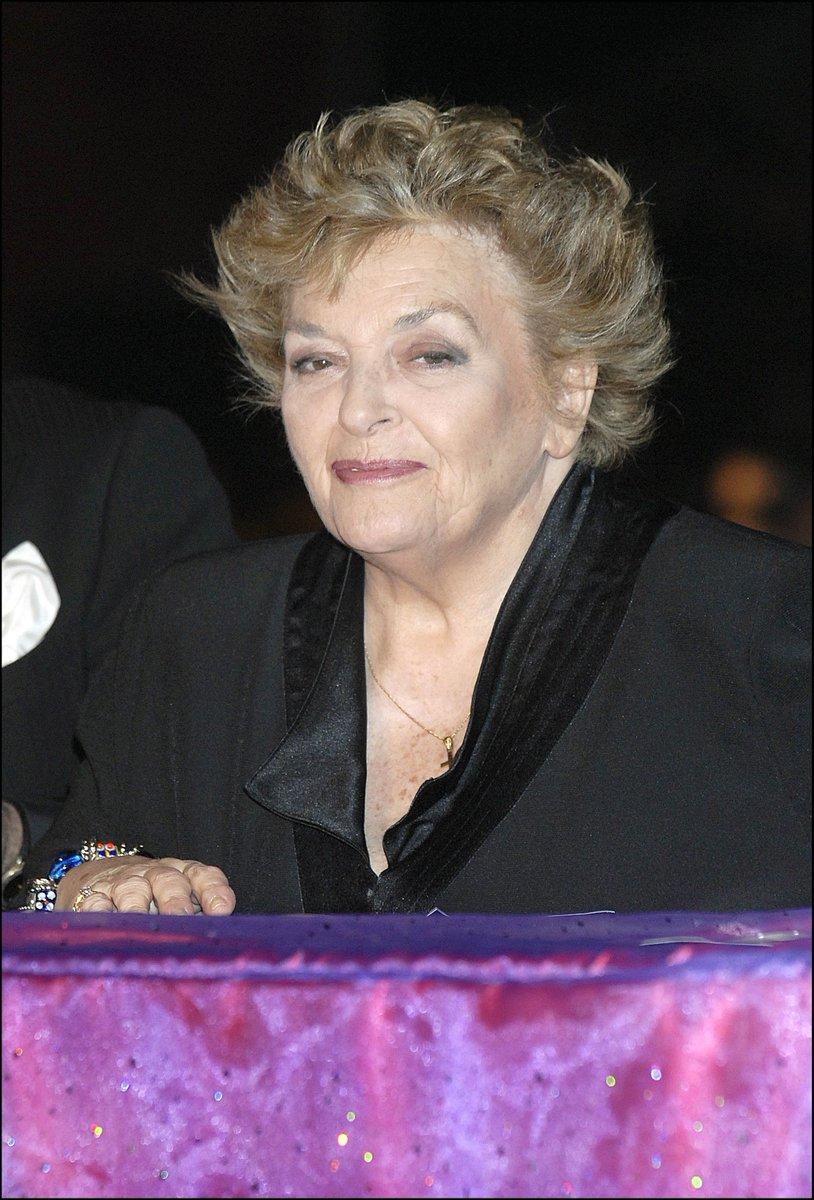 Fallece a los 74 años Marisa Porcel, la recordada Pepa de 'Escenas de matrimonio' https://t.co/YPWF5if4t6