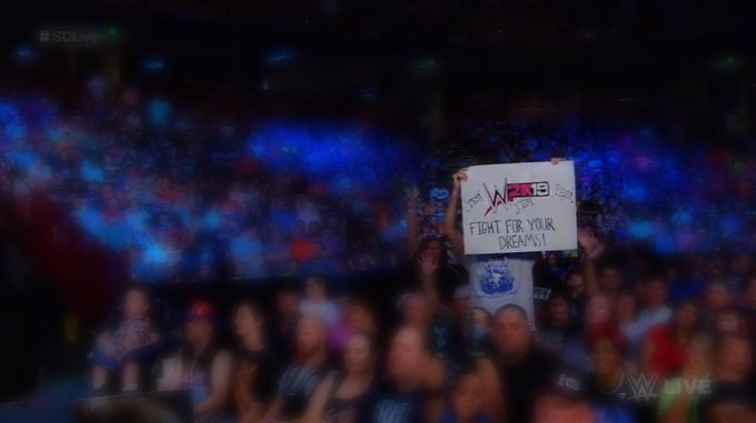 WHO IS THIS? We'd like to chat with the #WWE2K19 @WWEDanielBryan super-fan from #SDLive last night 😀 Photo